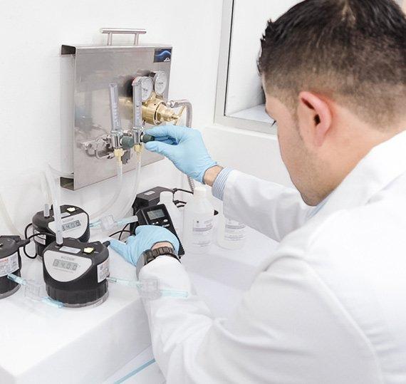 Trabajando en la calibración de instrumentos de medición bajo las normas NMX-EC-17025-IMNC-2006 e ISO/IEC-17025
