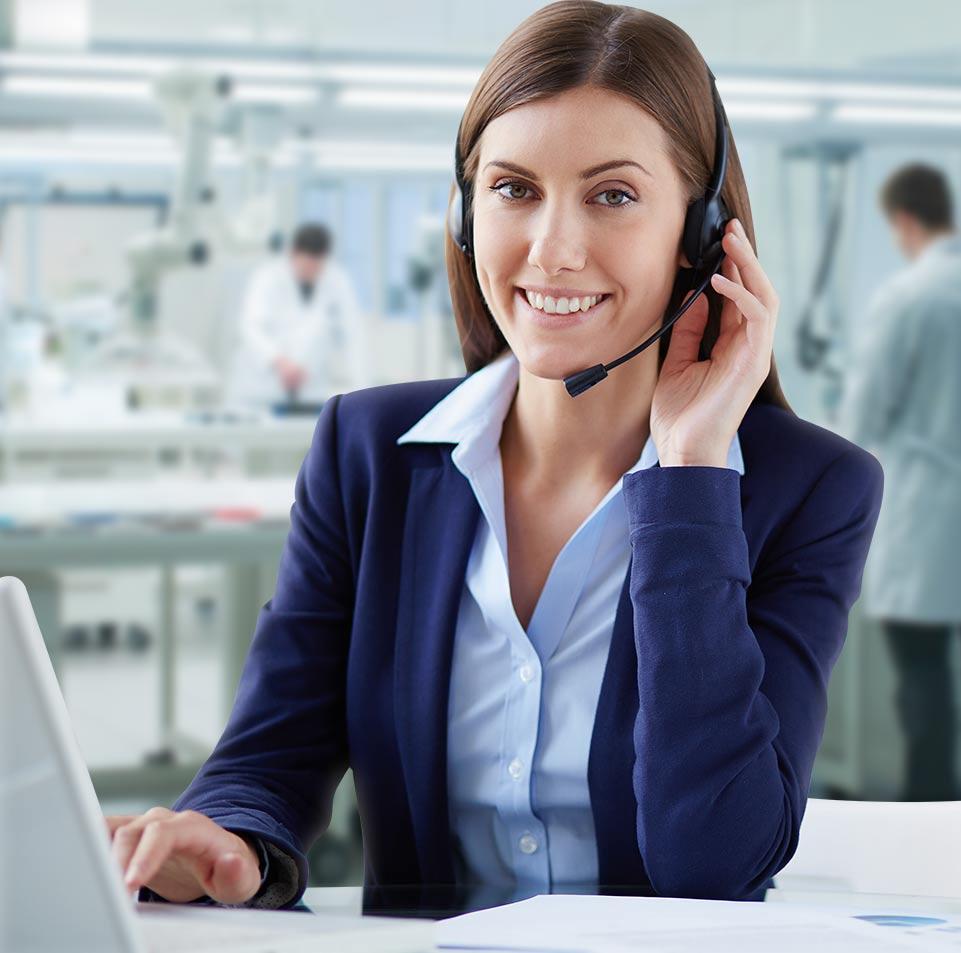 Atendiendo clientes vía telefónica