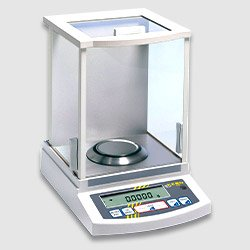 Foto de una balanza analítica calibrada en taller