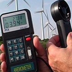 Verificando un instrumento de medición de flujo de aire en instalaciones eólicas.